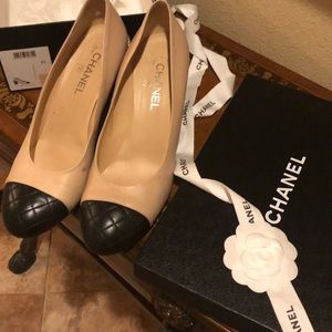 Chanel Pumps size 42 (Fit like US 11)